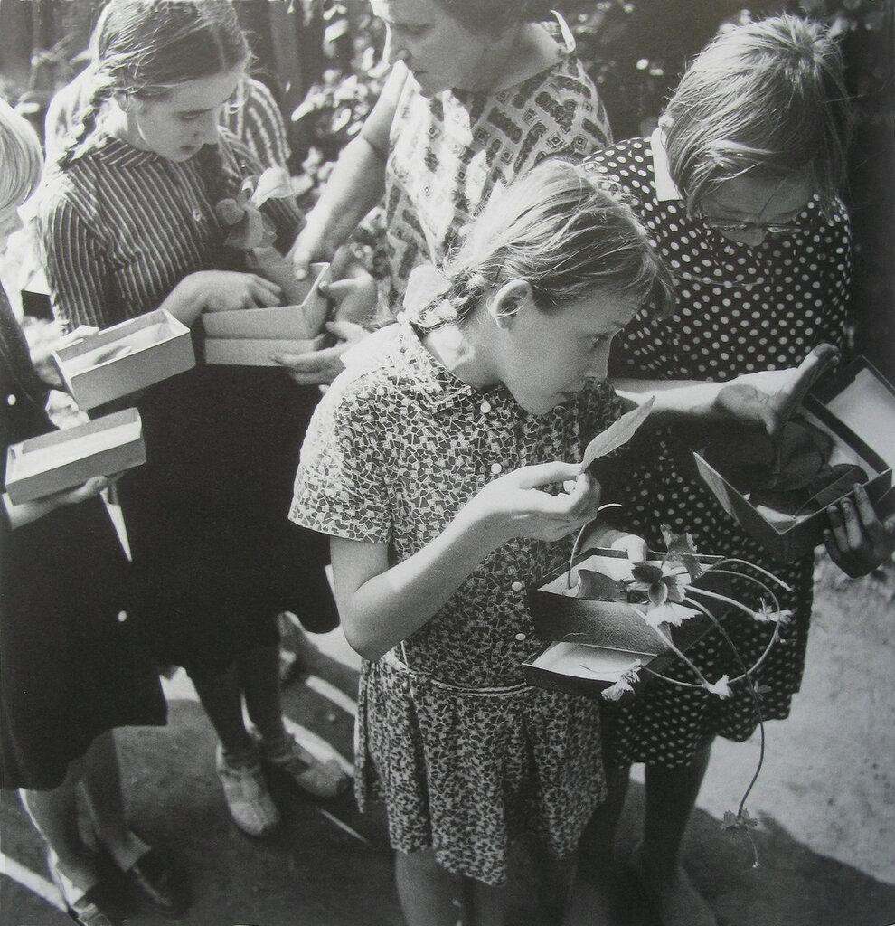1962. Школа для слепых детей. Урок ботаники. Каунас