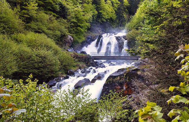 France - Pyrénées - cascade du Lutour