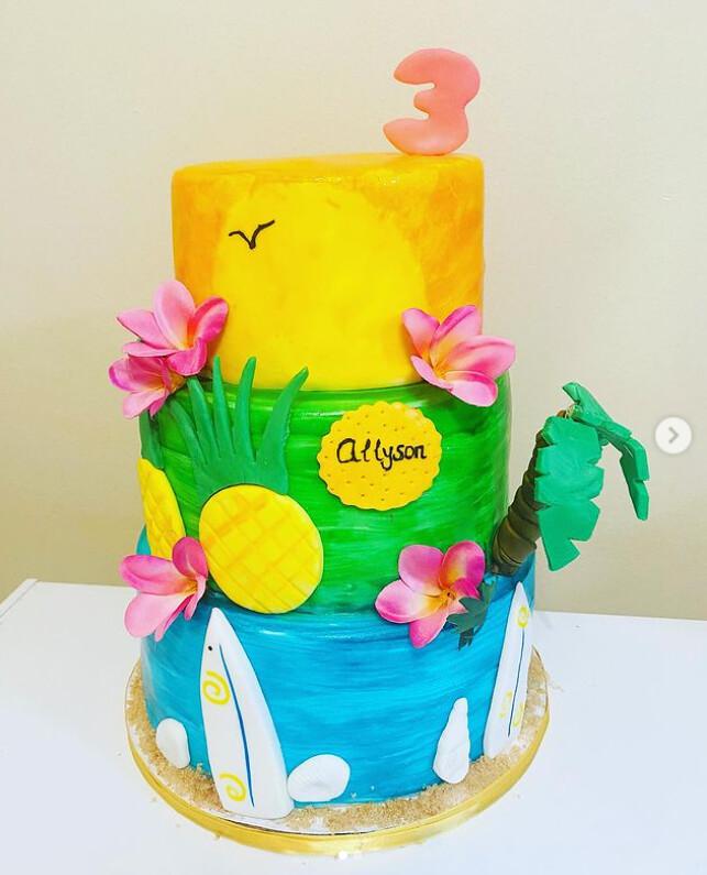 Cake by Antonella's Sweet Cake