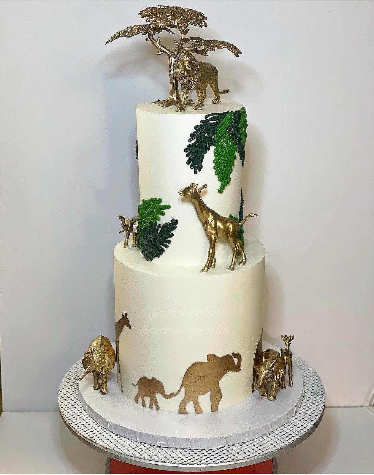 Cake by Mamá Consuelo's Bakery