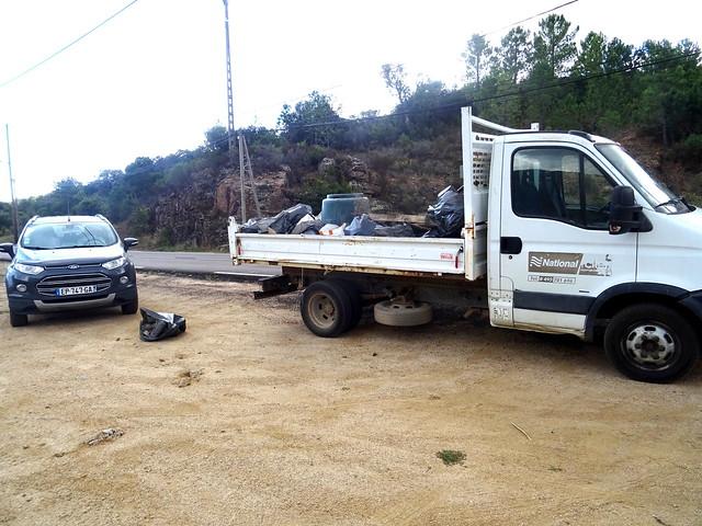Pont de Purcilella ; le camion continue à se remplir