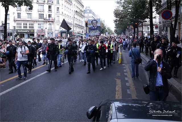 Manifestation contre le pass Sanitaire et l'obligation Vaccinale → Acte 12 à Paris le 25 septembre 2021 IMG210925_005_©2021 | Fichier Flickr 1000x667Px Fichier d'impression 5610x3740Px-300dpi