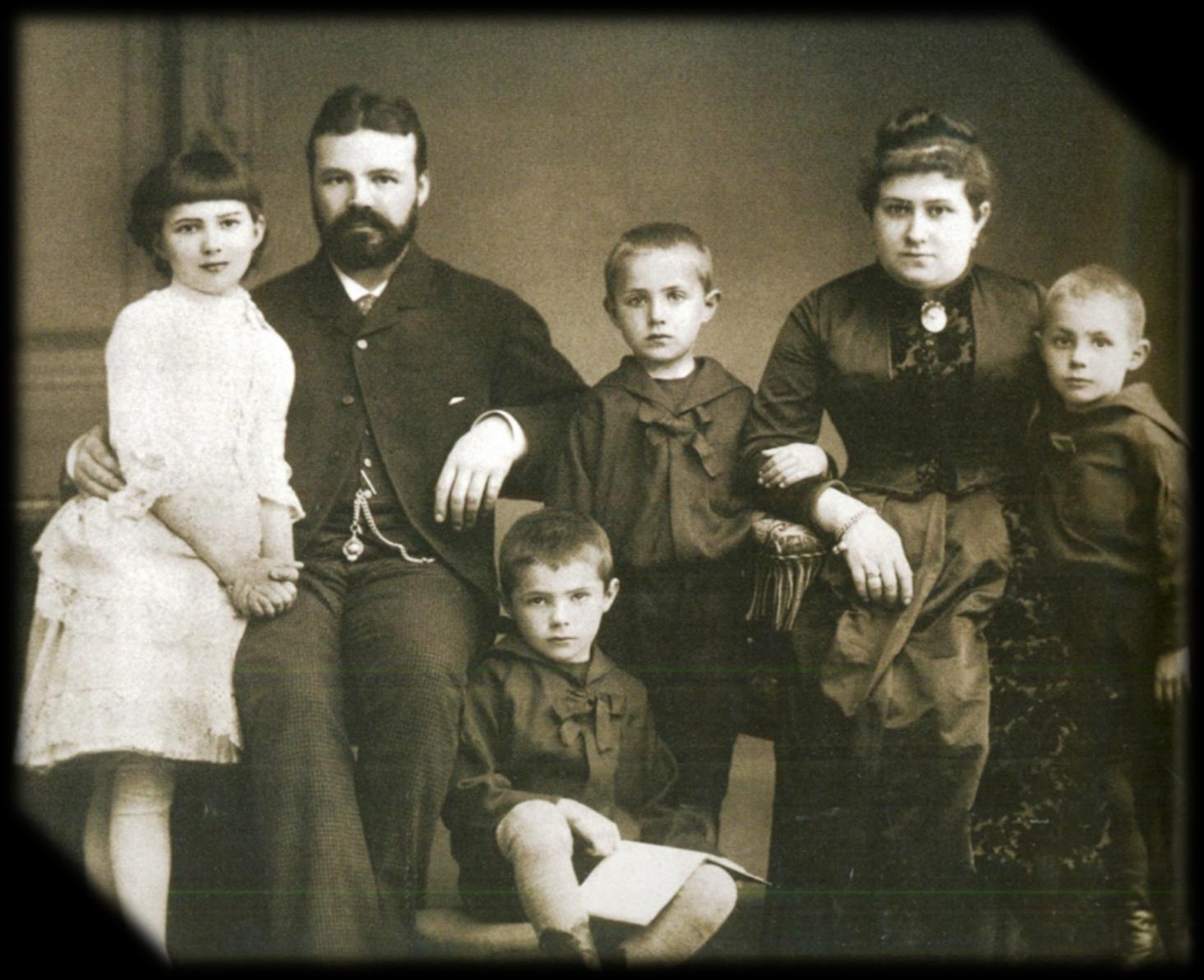11.1880-е. И.Д.Сытин с семьёй