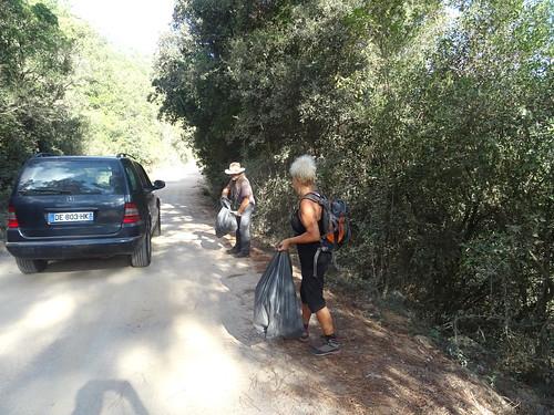 Piste du Cavu : auto-stop pour recruter des nettoyeurs !