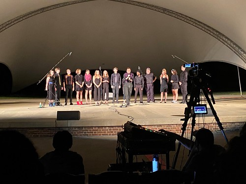 The Cleftomaniacs perform as part of W&M Sings during Family Weekend.