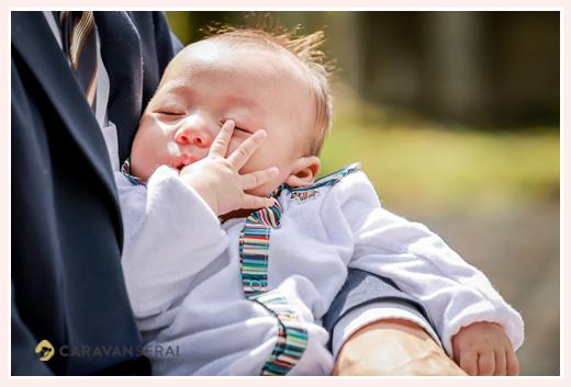 初宮参りの日 眠る赤ちゃん