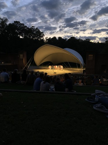 Students participate in W&M Sings during Family Weekend. Cameron Nguyen attended with her family to preview the a cappella groups since she hopes to join one.