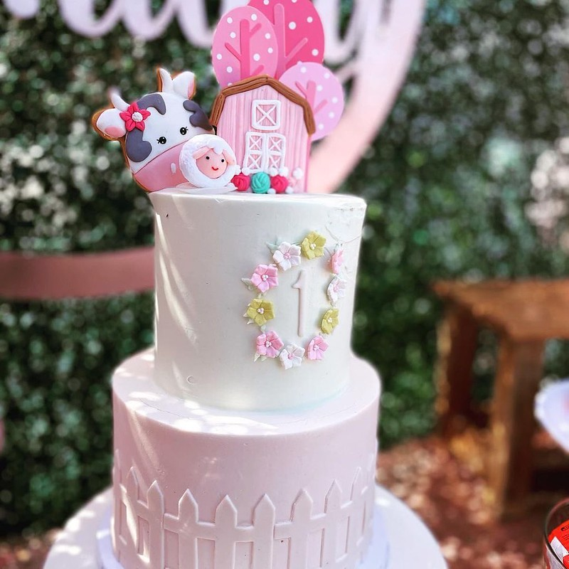 Cake by Golden Mittens Bakery