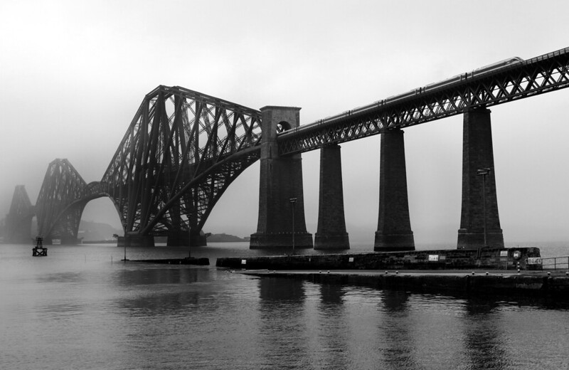 800105 at South Queensferry  BW