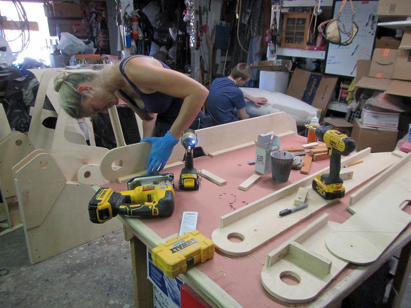 Shawnon Assembling Arm Parts