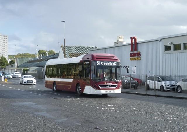 Lothian 43 on Peffermill Road, Edinburgh