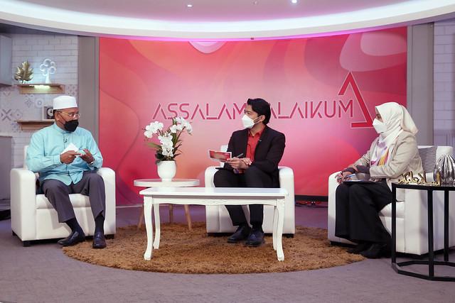 Yb Senator Tuan Haji Idris Ahmad Sewaktu Ditemubual Di Dalam Rancangan Assalamualaikum (1)