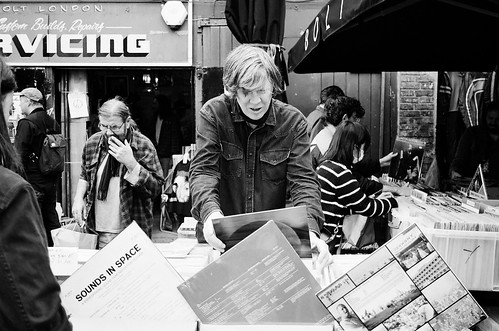Thurston Moore crate digging, Ecstatic Peace Library Record Fair, Bolt, N16