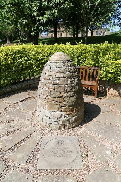 Lieut-Col Angus Douglas-Hamilton VC Memorial Cairn, Melrose