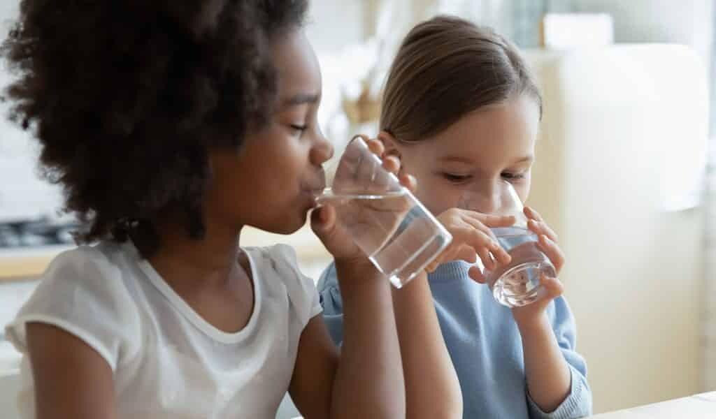 Une tablette d'hydrogel peut purifier un litre d'eau en une heure