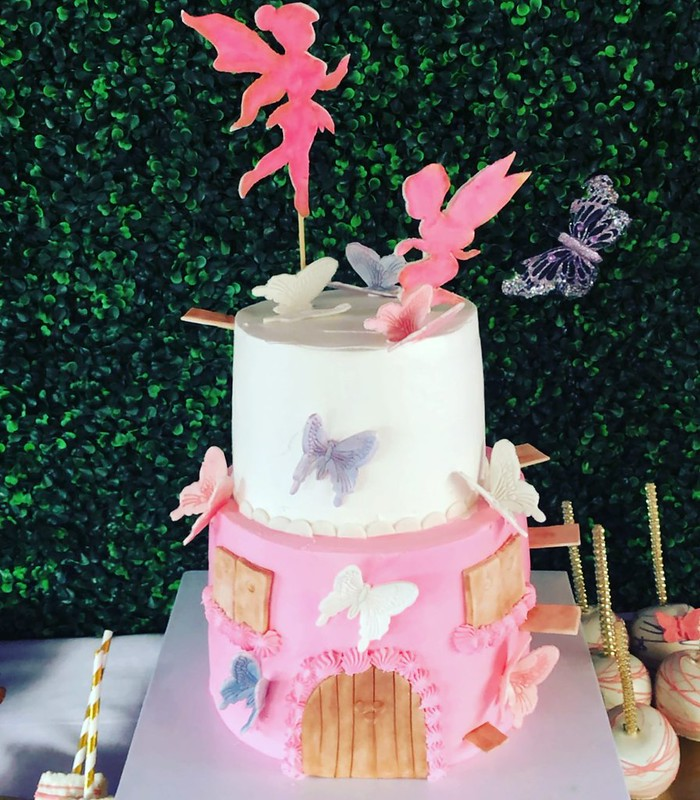 Cake by Janets Caketique