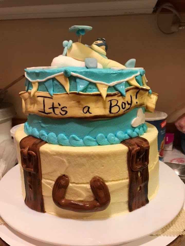 Cake by Monica's Cupcake House