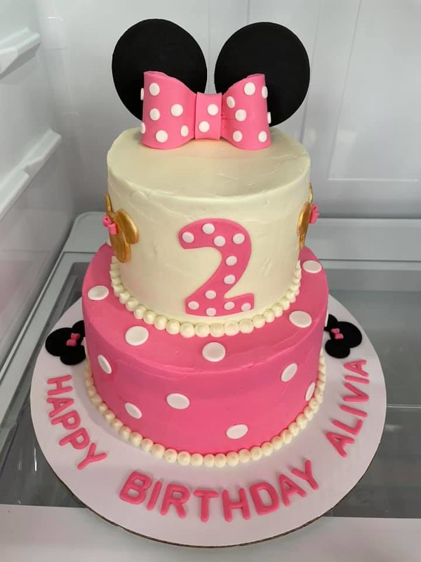 Cake by Mitten Cakes Bakery