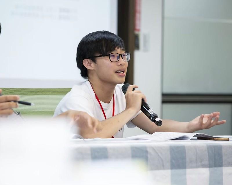 學生會理事長馮輝輪積極處理本校公共事務。圖/馮輝輪提供