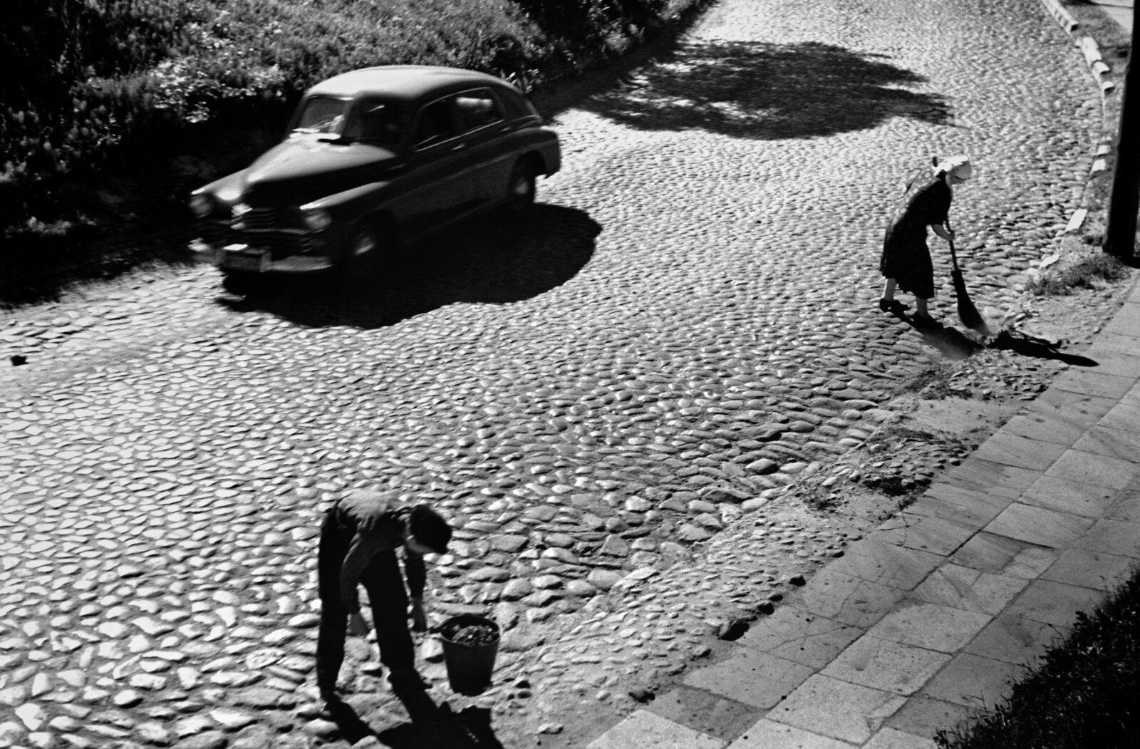 1961. Вильнюс. Подметальные машины