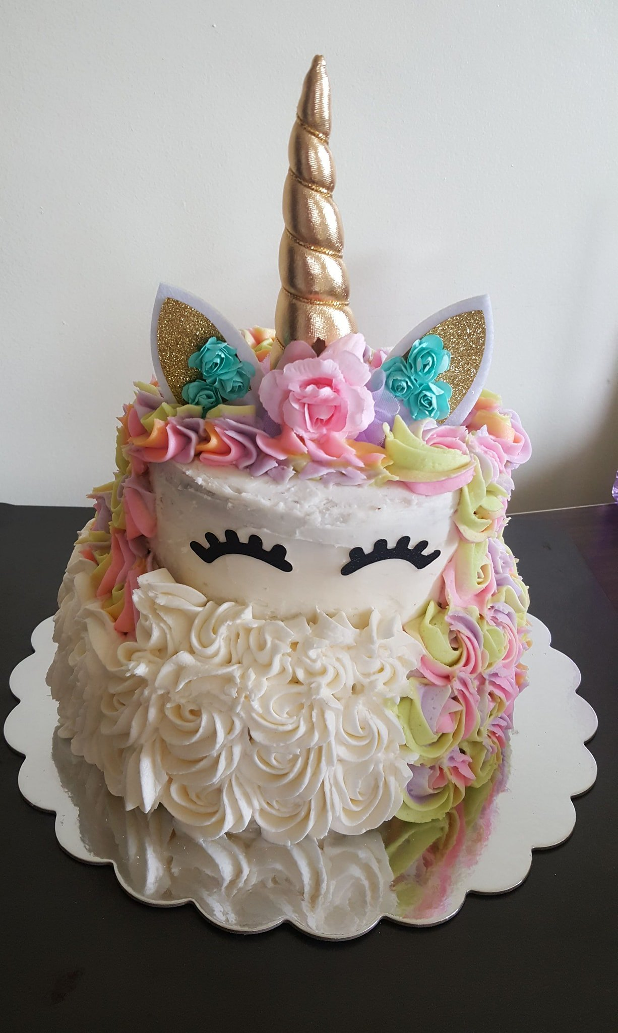 Cake by Pearle's Cupcakery