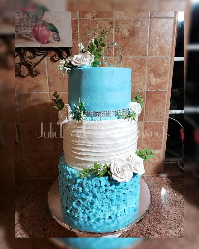 Cake by Juliebee Cakes n Sweets