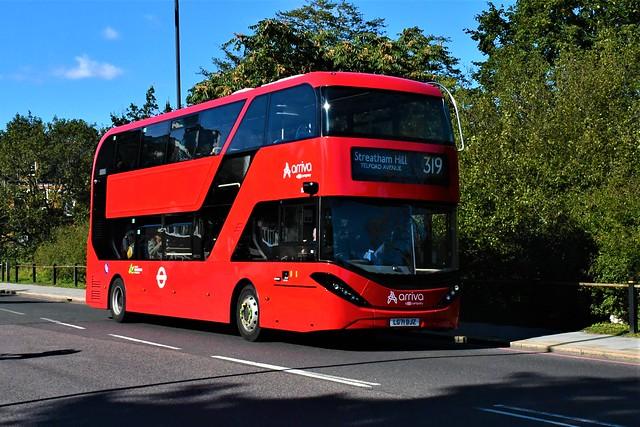 LG71 DJZ (EA7) Arriva London