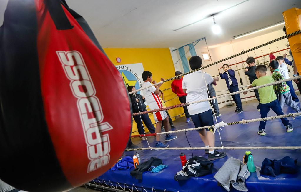 2021-10-06 Escuela de boxeo y gimnasia en el Club Sportivo Estrella Junior