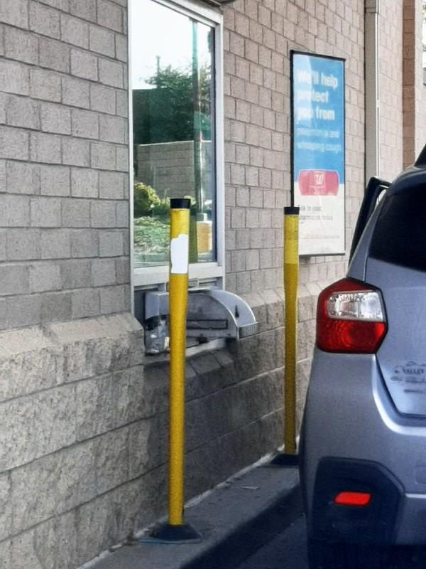 COVID-19 drive-thru lab test at Walgreens Pharmacy, Lincoln City (4)