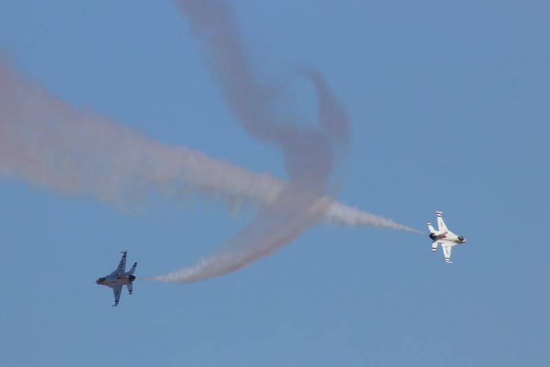 IMG_5572 USAF Thunderbirds, California Capital Airshow