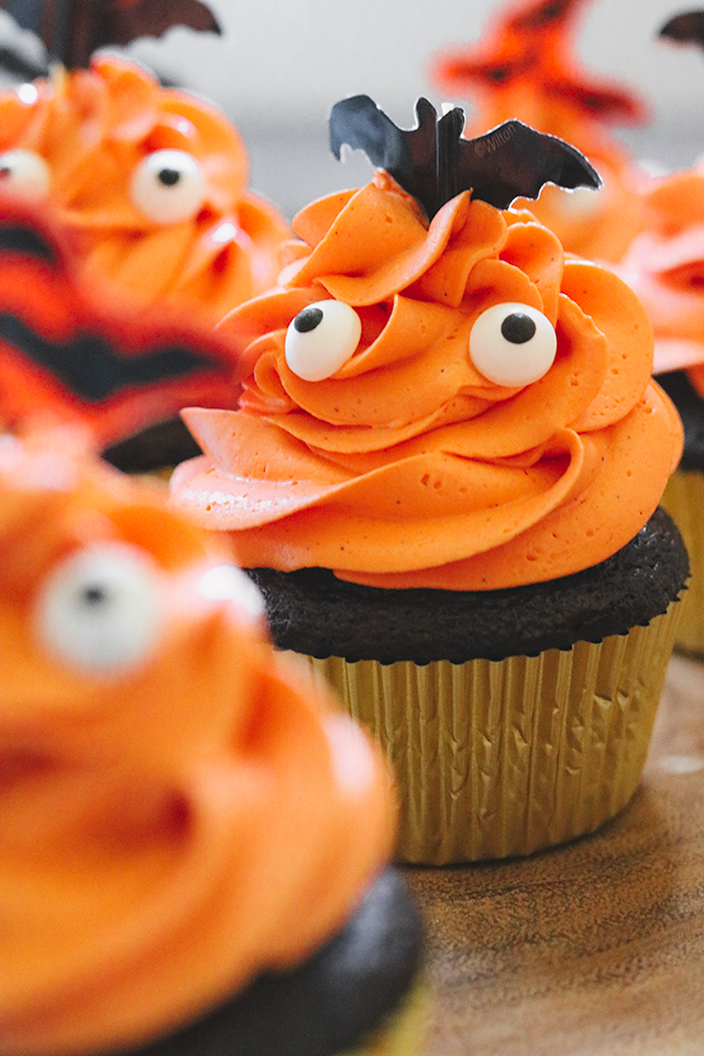 Halloween Ghost Chocolate Cupcakes with Crispy Magic Frosting