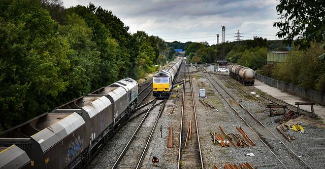 60029 and 66711 at Kingsbury