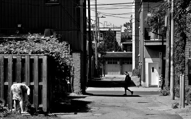 Backstreet Gaze