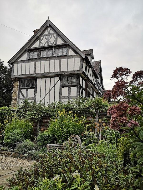 ludlow secret garden