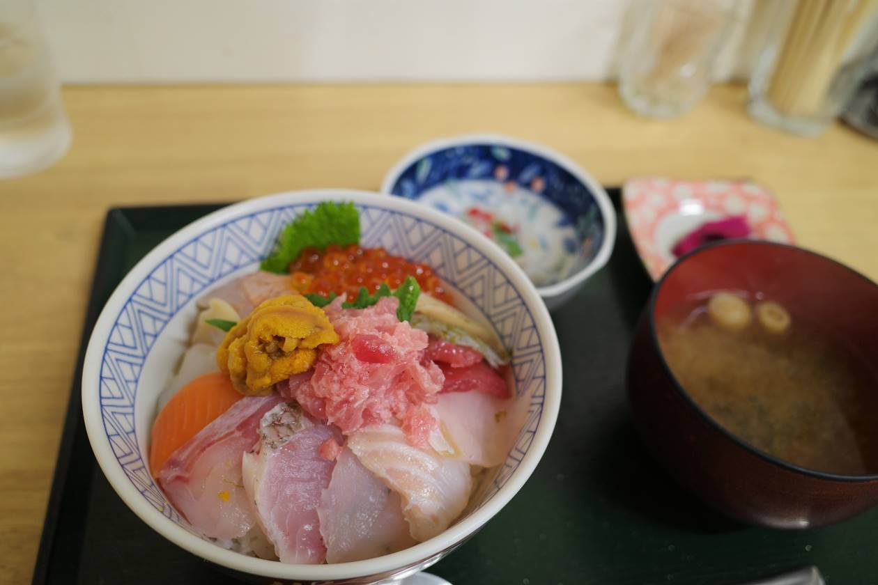 道の駅「鳥海 ふらっと」で食べた海鮮丼