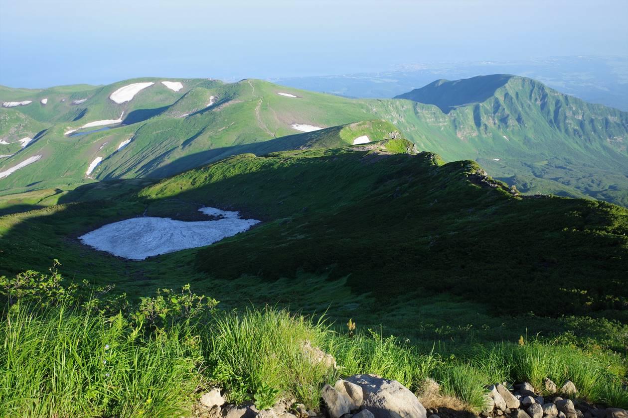 鳥海山の稜線