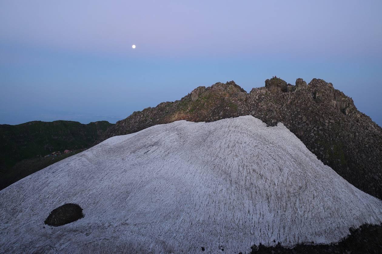 鳥海山・新山