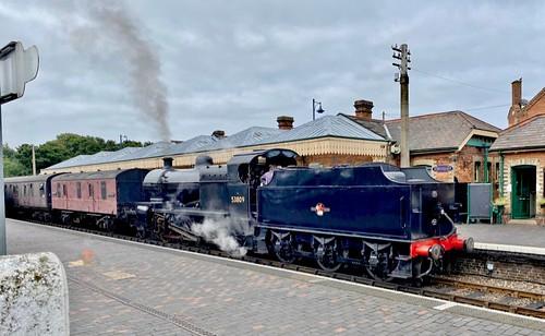 53809 'British Railways' class 7F Midland Railway built 2-8-0 steam locomotive on Dennis Basford's railsroadsrunways.blogspot.co.uk'
