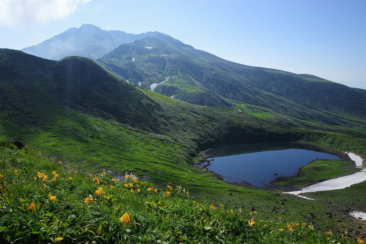 鳥海山と鳥海湖 山小屋泊登山