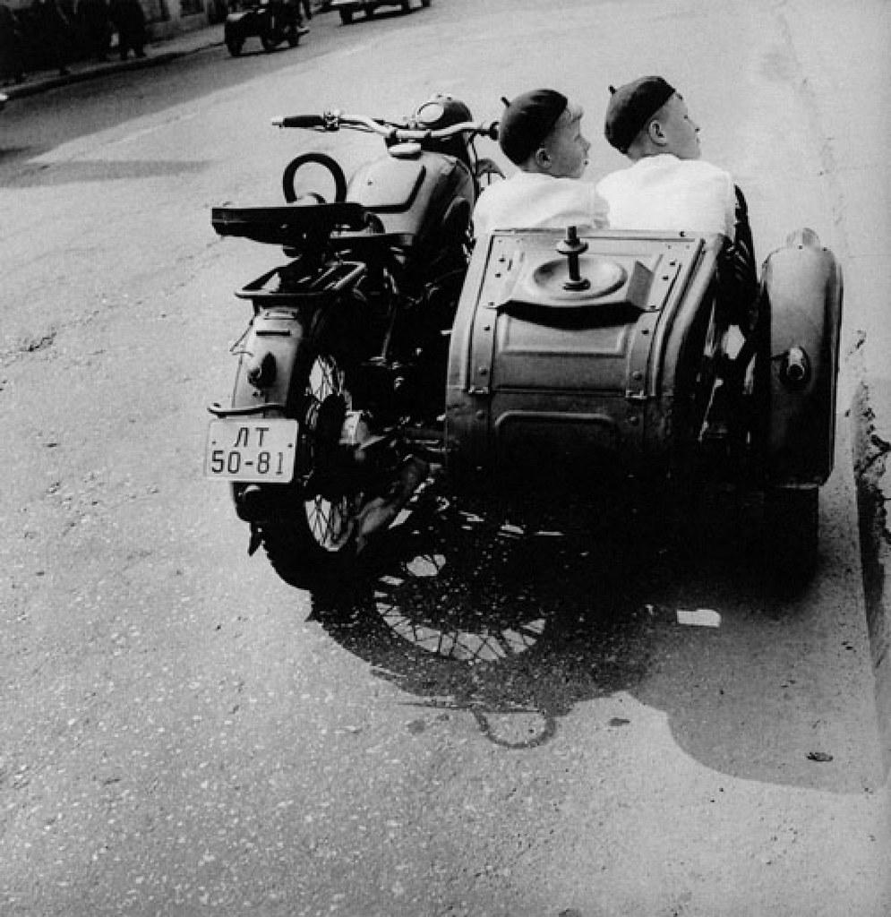 1968. Вильнюс.Улица Кальварию. Братья
