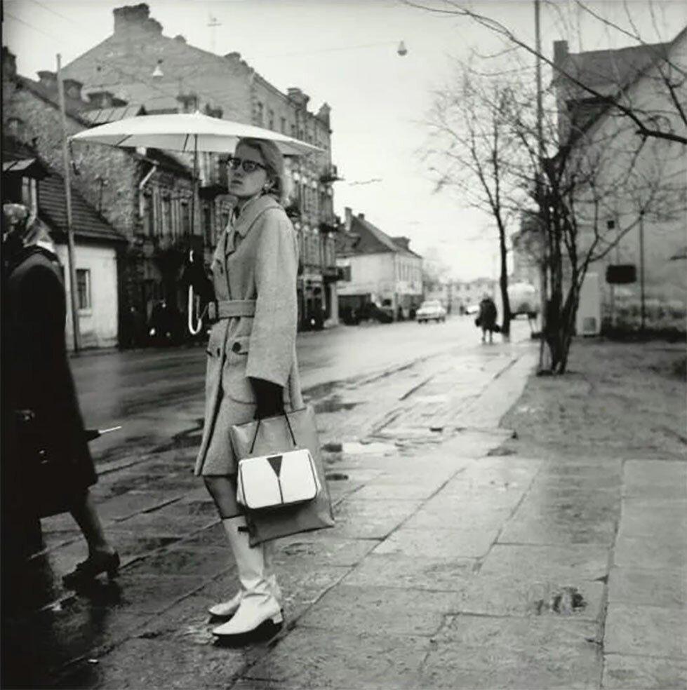 1967. Вильнюс. Улица Кальварию. «Стильная девушка»