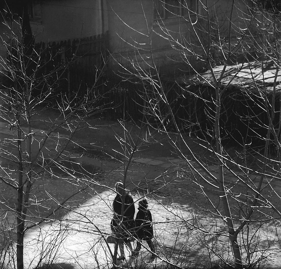 1967. Вильнюс. Двор через окно