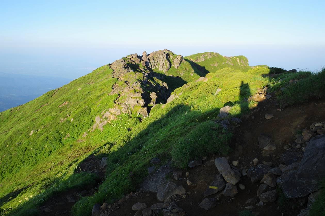 鳥海山・外輪山の稜線登山