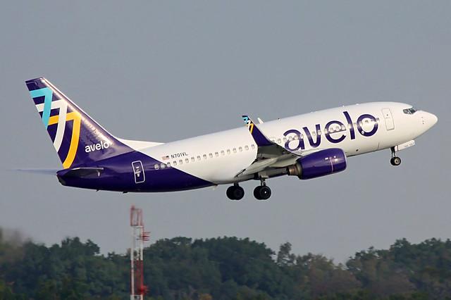N701VL avelo 737-7H4 departing KCLE