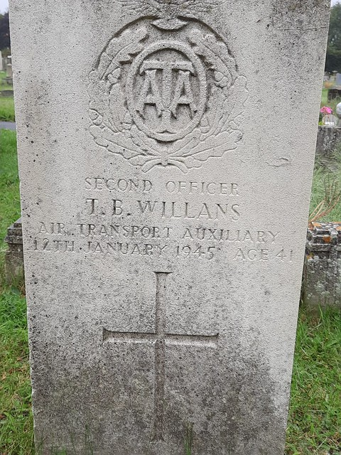 Second Officer T.B Willans 3FPP ATABenuos Aries ArgentinaHeadington Cemetery Oxford