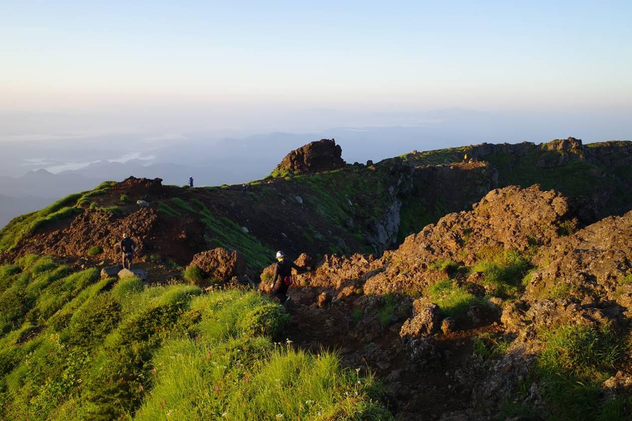 鳥海山・外輪山の稜線