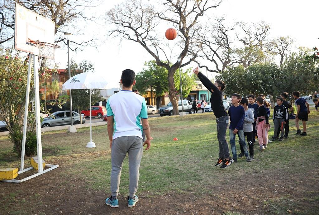 2021-10-07 Pistas de salud en la Plaza Juan Jufré