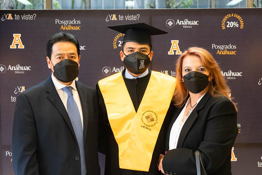 Ceremonia Solemne de Graduación de Licenciatura, Generación 2020. 07 de octubre del 2021.