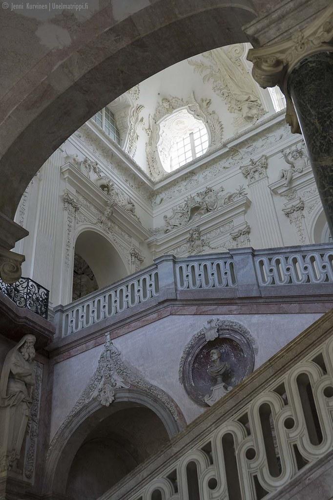 Neues Schloss Schleissheimin pramea portaikko