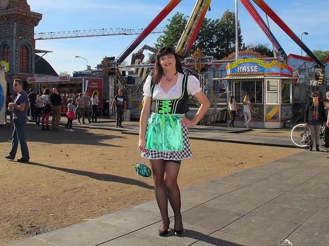 Oktoberfest funfair walk